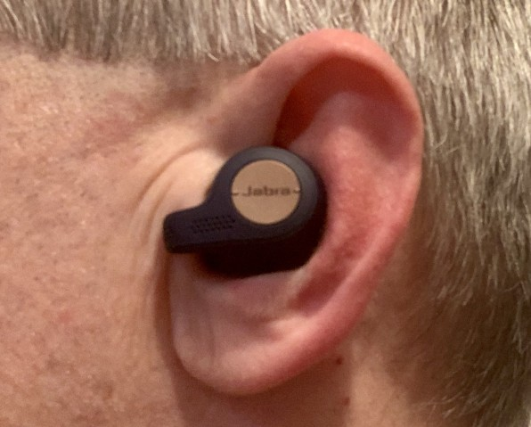 אזניות True wireless - ה-Jabra 65T active מול Sennheiser momentum